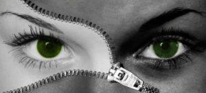 взгляд женских глаз. фото