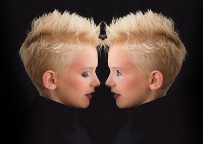 девочки-близнецы. фото