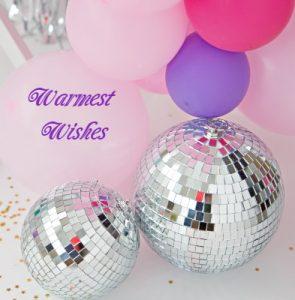 елочные и воздушные шары. фото