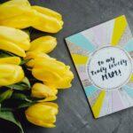 Цветы и карточка. фото