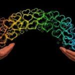 Руки навстречу друг другу. иллюстрация