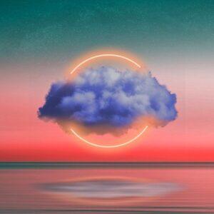 Разноцветный небосвод с облаком и солнцем. иллюстрация