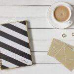 Блокнот, конверт, кофе. фото